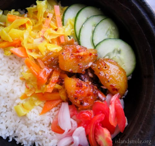 rice with cabbage and carrot coconut milk curry, ambarella curry and spicy beef curry_pxl680-3194