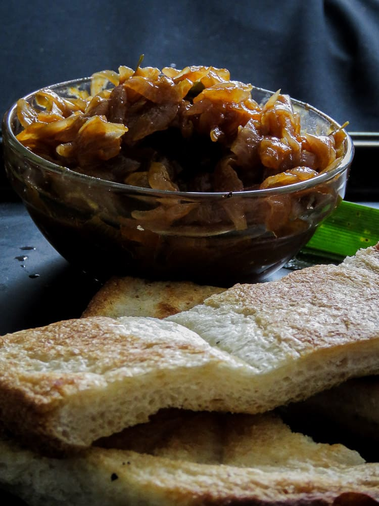 srilankan-seeni sambol-sweet and- spicy caramalized-onion-relish-islandsmile.org