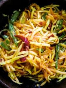 Easy spicy Papaya salad(vegan, vegetarian)-islandsmile.org
