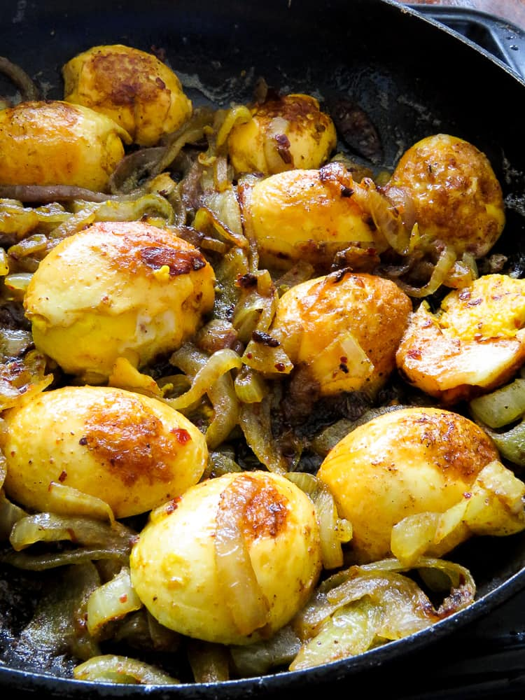 curried egg stir-fry with caramalised onions-islandsmile.org
