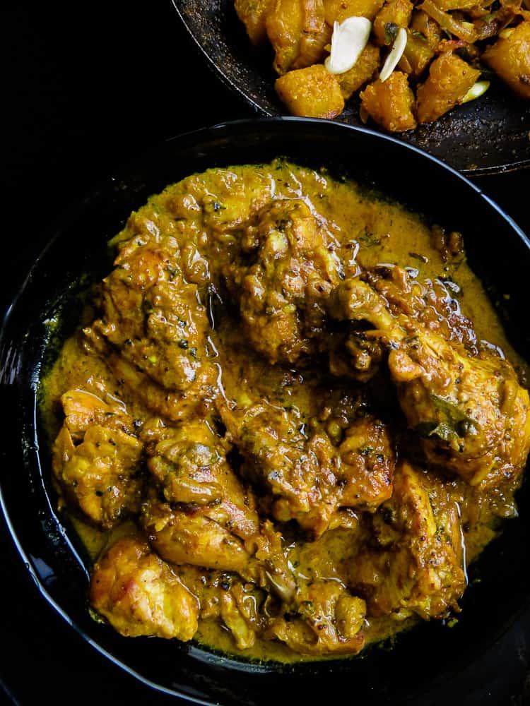 black pepper chicken with thick a yoghurt gravy-islandsmile.org