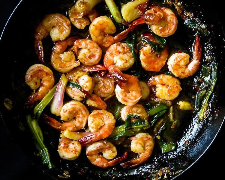20 minute- caramelized garlic shrimp stir-fry-islandsmile.org